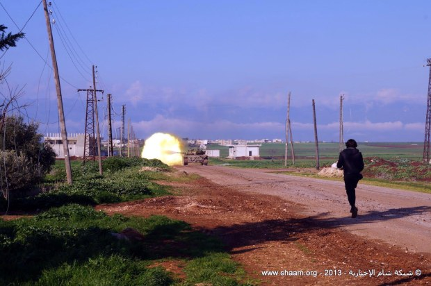 A Syrian Free Army T-62 firing at enemies, Hama, March 2, 2013